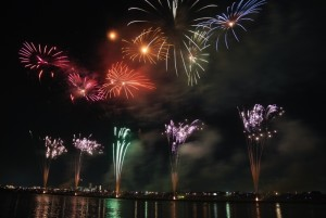 1-fireworks-colorful-sky-night-japan-festival